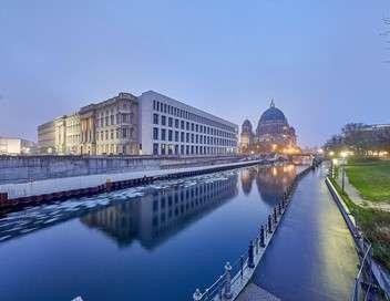 Et Berlin se bâtit un château...