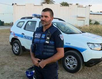 Jeudi reportage Le quotidien chaud : des policiers du Cap d'Agde