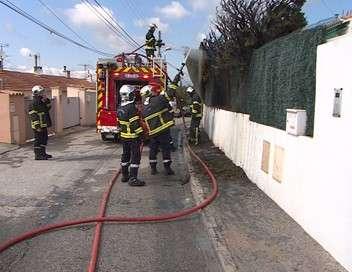 Au coeur de l'enquête Police, pompiers, Samu : un été chaud sur la Côte d'Azur