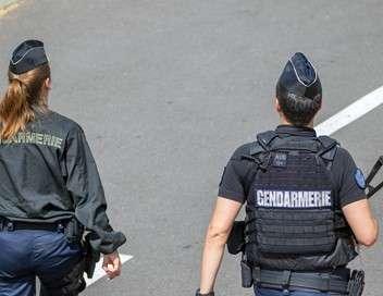 Au coeur de l'enquête Carambolages, alcool, taxi hors la loi : 100 jours avec les gendarmes de l'autoroute provençale