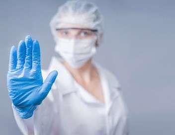 Derrière nos masques - Première vague du coronavirus : récits de soignants