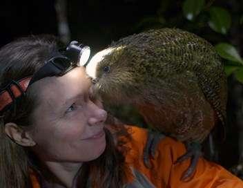 Origine native, Deidre et l'oiseau Kakapo