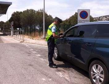 Au coeur de l'enquête 100 jours avec les gendarmes de l'autoroute des vacances