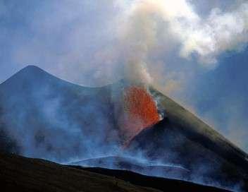 Afrique : les trésors cachés de la nature Au coeur du volcan