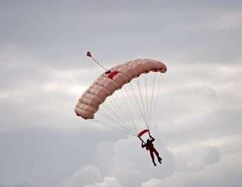 Révélations Commandos parachutistes : entre amour et devoir