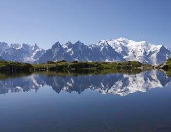 Enquête exclusive Un été au mont Blanc : des vacances au sommet
