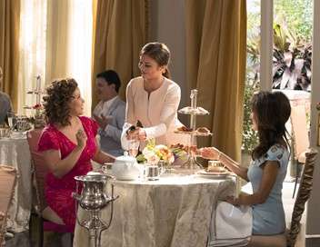 Devious Maids Star System