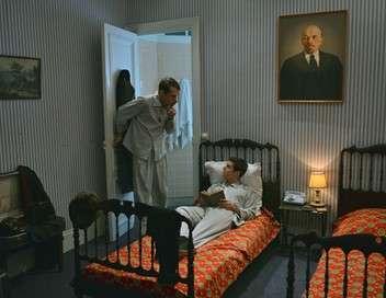 au service de la france saison 1 pisode 8 t l obs. Black Bedroom Furniture Sets. Home Design Ideas