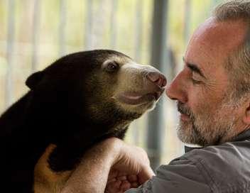 Antoine Duléry et Chanee sur la terre des ours
