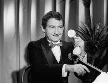 Pierre Desproges en scène au théâtre Fontaine (1984)